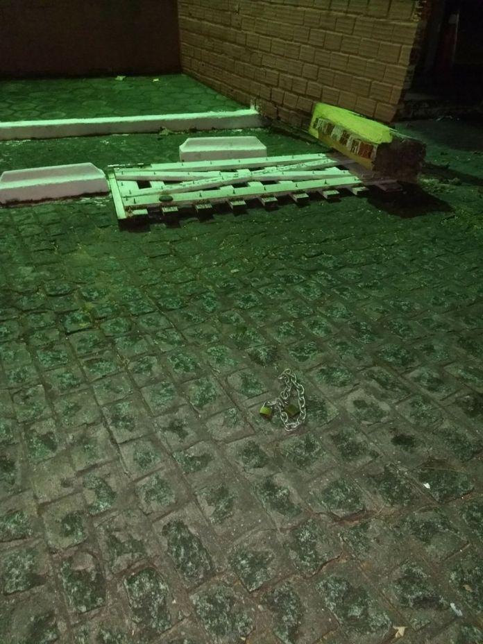 pamela9 - VEJA VÍDEO: Imagens de câmera de segurança flagram momento em que carro de Pâmela Bório derruba portão da Granja do Governador
