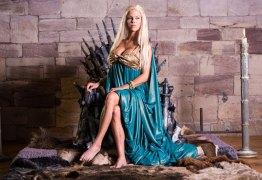 Paródia pornô de Game Of Thrones estreia no Brasil