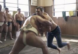 Tom Brady luta sumô; VEJA VÍDEO