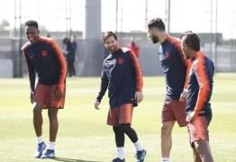 Recuperado de dores musculares, Messi treina normalmente no Barcelona