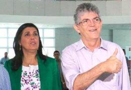 DECRETADO O RACHA: após anunciar que continua no Governo, Ricardo exonera aliada de Damião