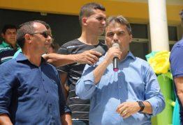 Deputado Genival Matias recebe apoio oficial do prefeito de Pedro Régis durante festividades de emancipação