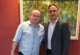 Lucélio Cartaxo recebe apoio do prefeito de Marizópolis