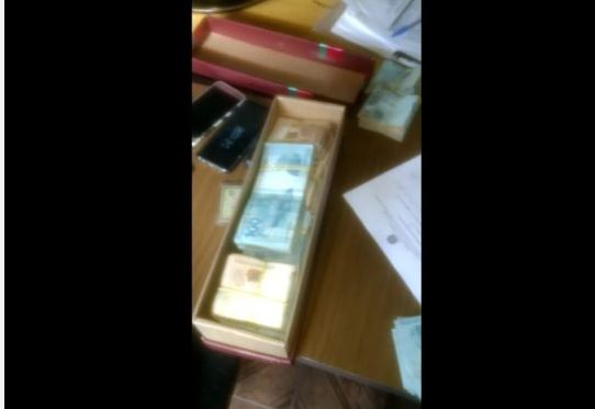 BOLO DE GRANA - VEJA VÍDEO : PF encontra quase R$ 100 mil na casa do presidente da Câmara dos vereadores de Cabedelo