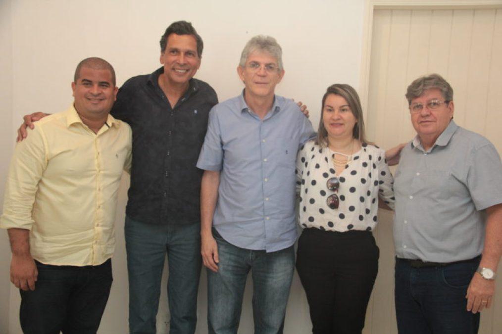 IMG 212327.04.18 joao e1524851129390 - Prefeita de Marcação declara apoio à pré-candidatura de João Azevêdo