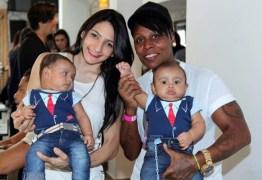 Cantora Pepê prepara festa de R$ 15 mil para os filhos