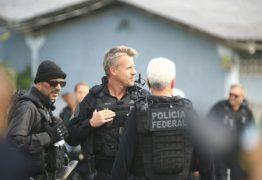 Agente gato da Polícia Federal chama a atenção na prisão de Lula