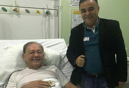 BOLETIM MÉDICO: Gilvan Freire reage bem à procedimento cirúrgico, mas sem previsão de alta