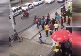 VEJA VÍDEO: Homem afirma ter sido feito refém após ser linchado e acusado de assalto