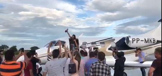 eduarda brasil cajazeiras - VEJA VÍDEO: Eduarda Brasil chega a Cajazeiras sob forte clamor popular