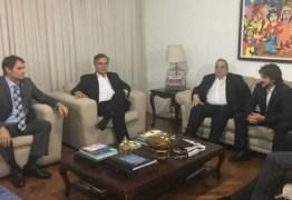 COMEÇAM AS REUNIÕES DAS OPOSIÇÕES EM BRASÍLIA: Sob o comando de Cássio, conversas devem prosseguir durante o fim de semana