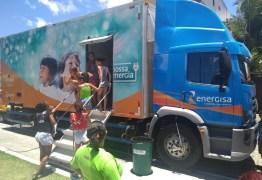 Energisa faz cadastro na Tarifa Social e negocia débitos em bairro de João Pessoa