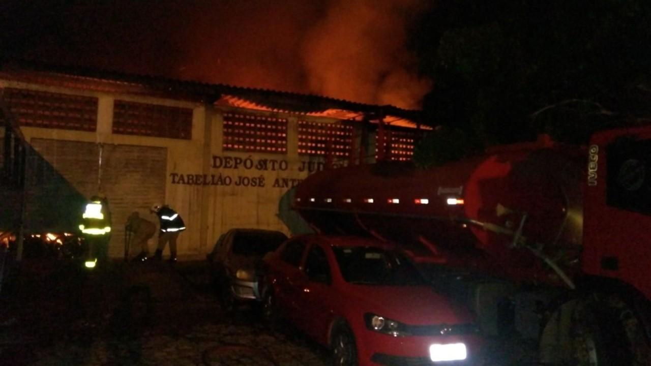 incendio forum 1 - INSEGURANÇA: Cinco fóruns são alvos de ataques em menos de dois meses na Paraíba