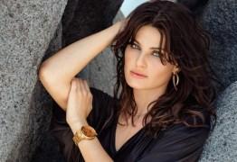 Isabeli Fontana assume estrias em foto espetacular de biquíni