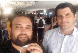 VEJA VÍDEO: 'Ricardo não está em busca de poder pelo poder. Ele se preocupa com a população', diz Leo Bezerra