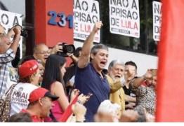 Lula terá helicóptero em Curitiba para ir do aeroporto até a prisão, diz PF