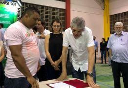 ODE EM MAMANGUAPE: Ricardo assina contratos do Empreender PB somando mais de R$ 700 mil em créditos