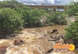 Adolescente desaparece enquanto tomava banho de rio na Paraíba