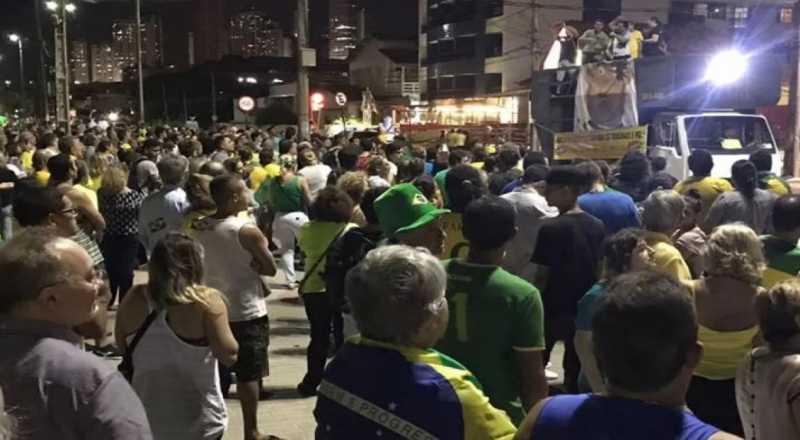 t - Em João Pessoa, manifestantes pedem prisão do ex-presidente Lula