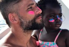 TITI PARA SEMPRE: Bruno Gagliasso tatua rosto da filha