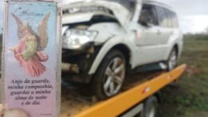 tro 7 1 300x169 - FORTES CHUVAS: Carro de deputado paraibano capota três vezes na BR-230, ele e ocupantes são levados as pressas para hospital - VEJA FOTOS
