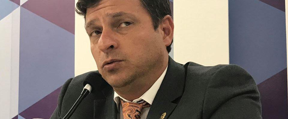 vitor hugo prefeito interino cabedelo e1544580134545 - Vitor Hugo não repassa consignados e nome de dezenas de servidores está sendo jogado no SPC