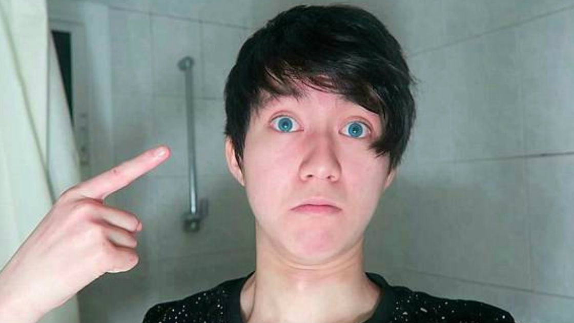 youtuber pasta - Youtuber é condenado por dar bolacha com pasta de dente a morador de rua