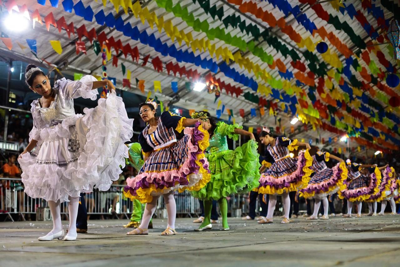 0806FestPMJPQuadrilhasJuninas2014 RafaelPassos 12 - Chegada do mês de junho aquece o mercado cultural nordestino
