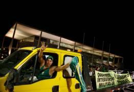 Pedir intervenção militar desmoraliza o bom caminhoneiro, diz líder