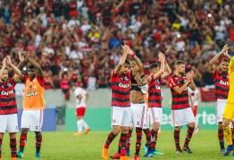 Polícia exige e Flamengo obriga sócios a trocarem ingressos para jogo da Libertadores