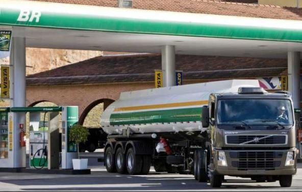 Capturar 38 - Sindipetro obtém liminar e Justiça garante abastecimento nos postos de combustíveis da PB