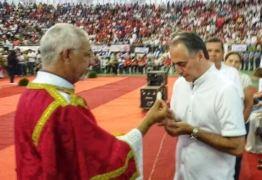 RELIGIOSIDADE: Lucélio aproveita Domingo de Pentecostes para renovar a fé e se encher do Espírito Santo