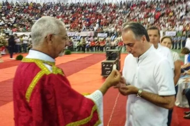 Capturar11 - RELIGIOSIDADE: Lucélio aproveita Domingo de Pentecostes para renovar a fé e se encher do Espírito Santo