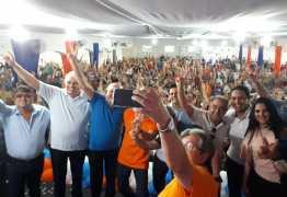 João Azevedo tem encontro com juventude e reúne lideranças de 10 cidades