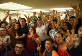 Em encontro com jovens, João Azevedo revela proposta de 1º emprego para alunos das escolas técnicas estaduais