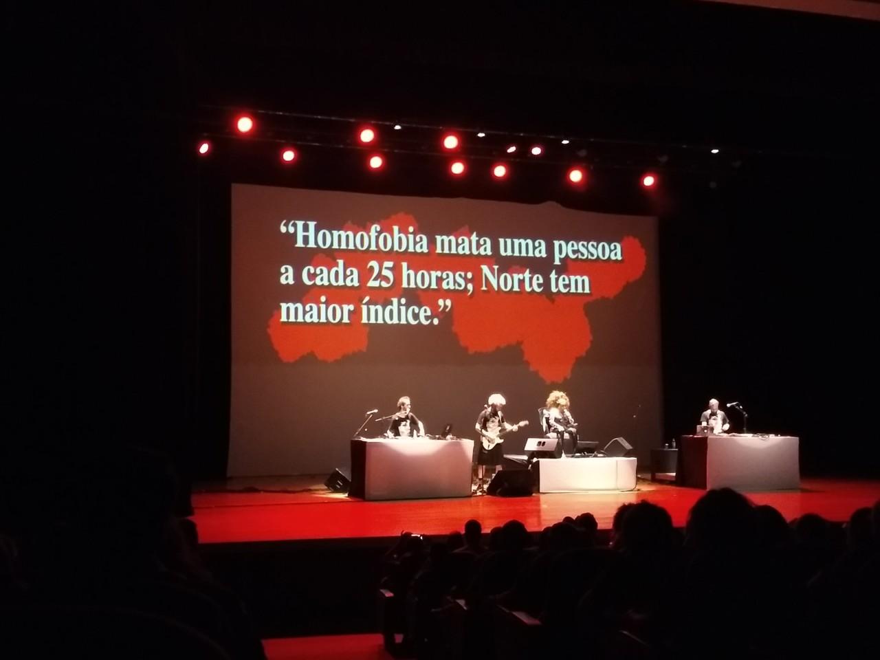 IMG 20180512 222617714 - ELZA SOARES: 'A Voz e a Máquina' contra a homofobia e os crimes de ódio