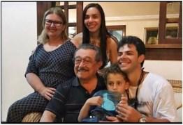 NINJA NA REDE: na corrida pela sucessão estadual, Maranhão posa com família em foto descontraída