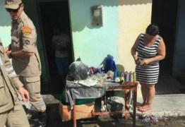 Explosão de fogos de artificio provoca incêndio em casa no Sertão