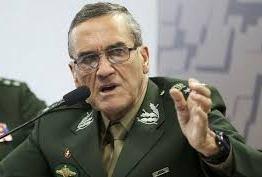 Pelo Twitter, comandante do Exército afirma que ordem é negociar para 'evitar conflitos' na greve dos caminhoneiros