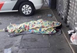 Dois moradores de rua morrem durante a madrugada mais fria do ano