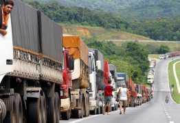 Alimentos perecíveis  que estão parados nas estradas e vão ser descartados