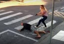 VEJA VÍDEO: mãe PM rende e atira em assaltante armado em frente a escola da filha