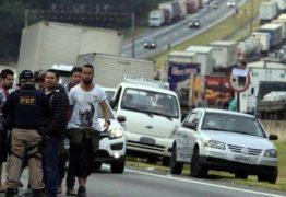 Ainda sem acordo, caminhoneiros iniciam 8º dia de greve na Paraíba