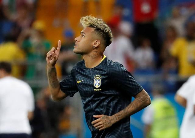1529420221603 - Da Rússia, pai negocia Neymar com Real, e clube tem estratégia 'pós-Cristiano', diz jornal