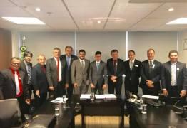 Wilson Filho se reúne com presidente do FNDE e dá andamentos a obras na PB
