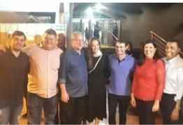 Presidenciável Ciro Gomes é recebido por lideranças locais no São João de Campina Grande