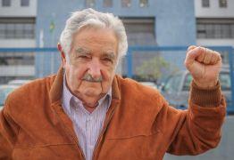 Pepe Mujica relata visita à Lula na prisão: 'o encontrei animado, lendo muitos livros, mas preocupado'; VEJA VÍDEO!