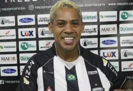 Aos 43 anos, Marcelinho Paraíba esbanja vigor físico e é comparado a um jumento pelo técnico