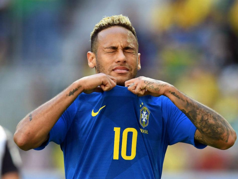 Neymar esta pendurado para jogo contra a Servia 950 - Efeito Neymar: Eliminação do Brasil afetou até negociações de TV do Francês