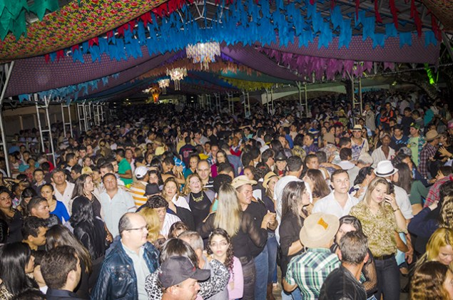 SAOJOAO BANANEIRAS - POLÊMICA PB NO SÃO JOÃO: Festa de Bananeiras atrai turistas com o tradicional Pé de Serra